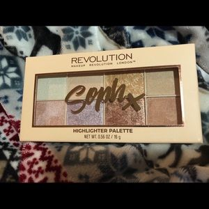 Makeup Revolution Highlight palette